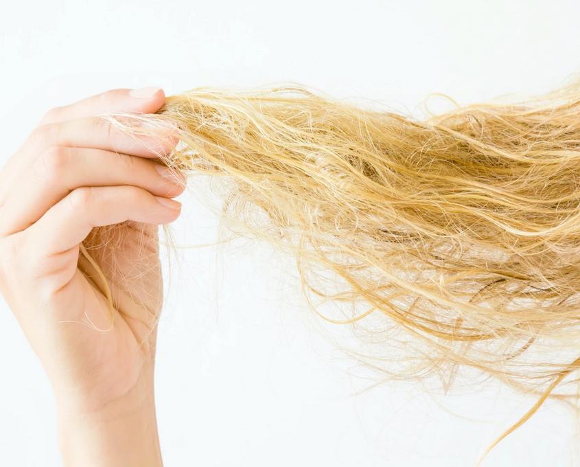 Советы блондинкам: как восстановить и увлажнить волосы после осветления?