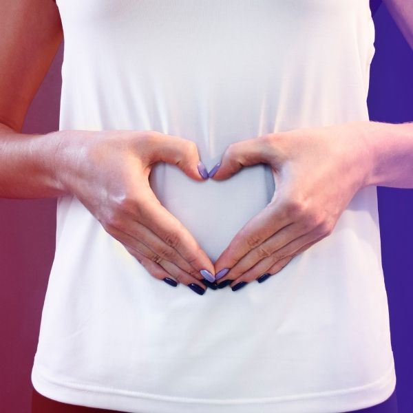 руки сложенные в форме сердца