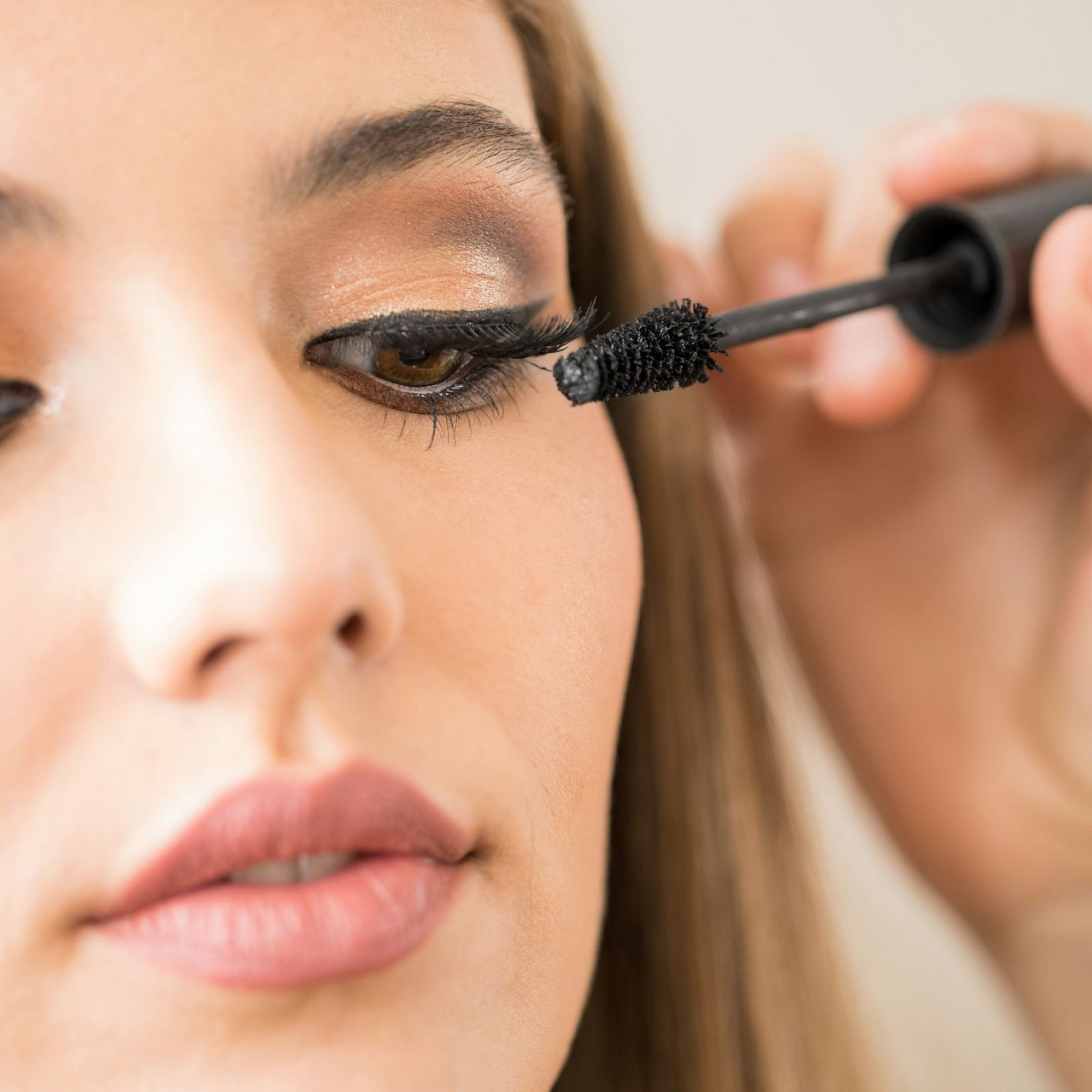 макияж глаз с тушью