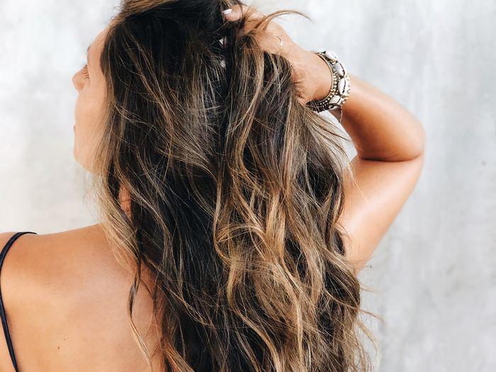 волосы с укладкой