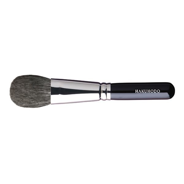 Кисть для румян HAKUHODO Blush Brush M Round & Flat G505