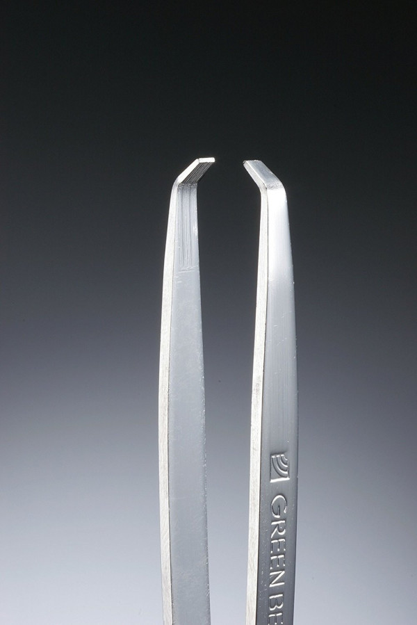 Набор из двух пинцетов для моделирования бровей My-Lash