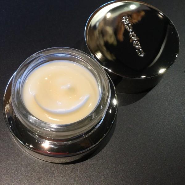 Обогащенный ночной крем для восстановления кожи SUQQU Intense Rich Cream